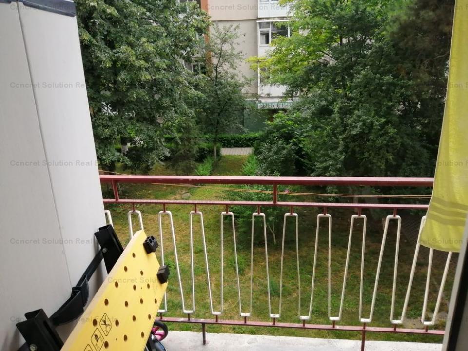 Vand apartament Calea Bucuresti