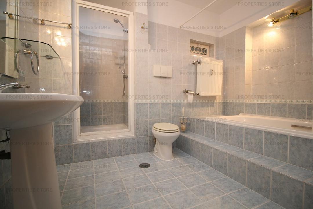 Apartament 4 camere, Polona