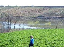 Teren 8714mp cu iesire la lacul Mostistea
