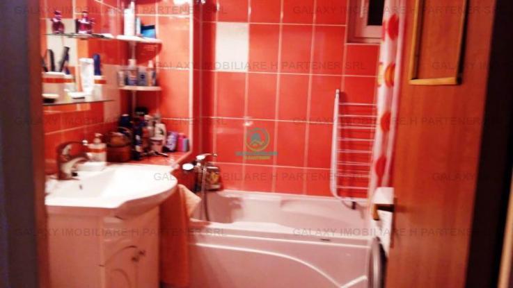 Vanzare apartament 4 camere, Central, Pitesti