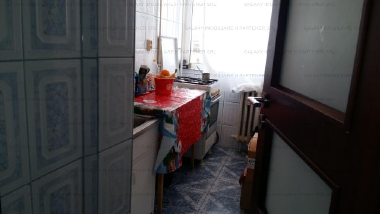 Vanzare apartament 3 camere in Pitesti Exercitiu etaj 3