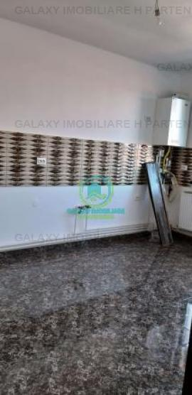 Vanzare apartament 4 camere in Geamana  Bradu
