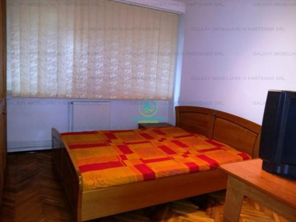 Inchiriere apartament 3 camere in Pitesti Centru