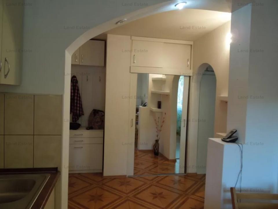 2 camere Gorjului - Rasaritului