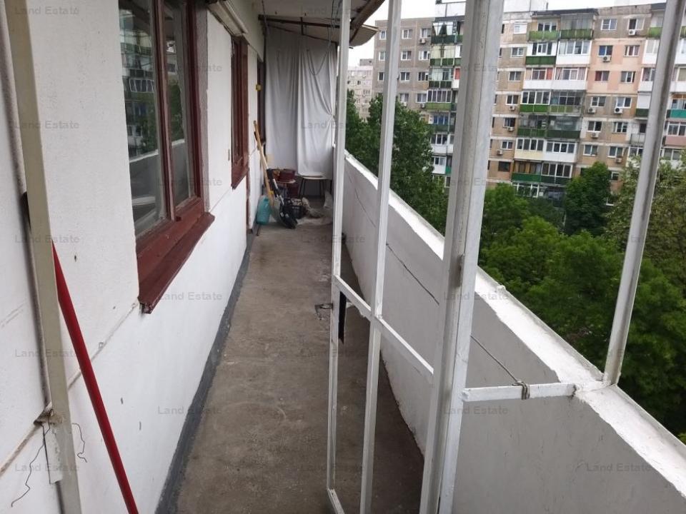Apartament cu 3 camere in zona Drumul Taberei (bucla)