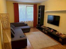 Apartament cu 3 camere in zona Dezdrobirii
