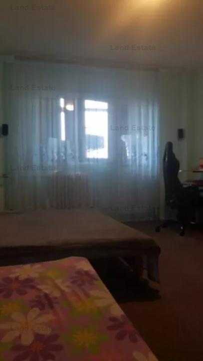 Apartament cu 3 camere in zona Valea lunga