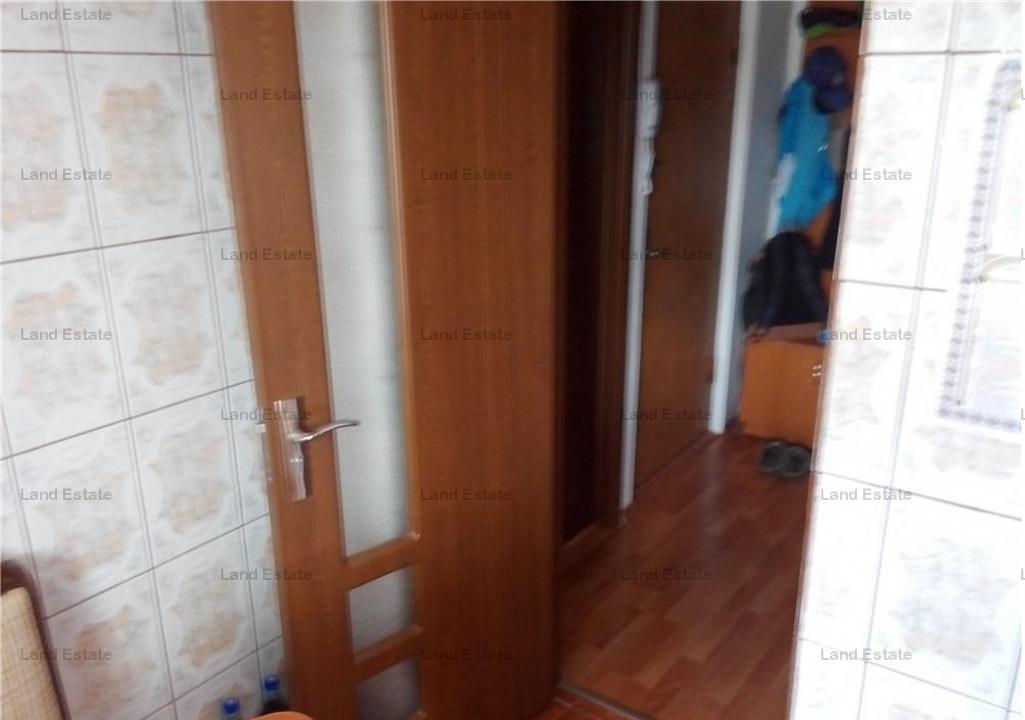 3 camere Crangasi(Vintila Mihailescu)