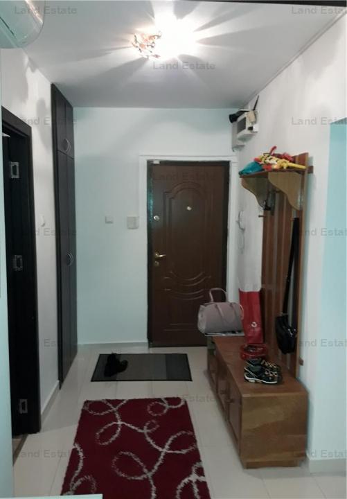 Apartament cu 3 camere in zona Progresului