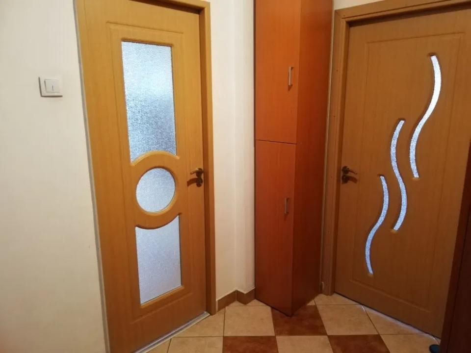 Apartament cu 3 camere in zona Crangasi