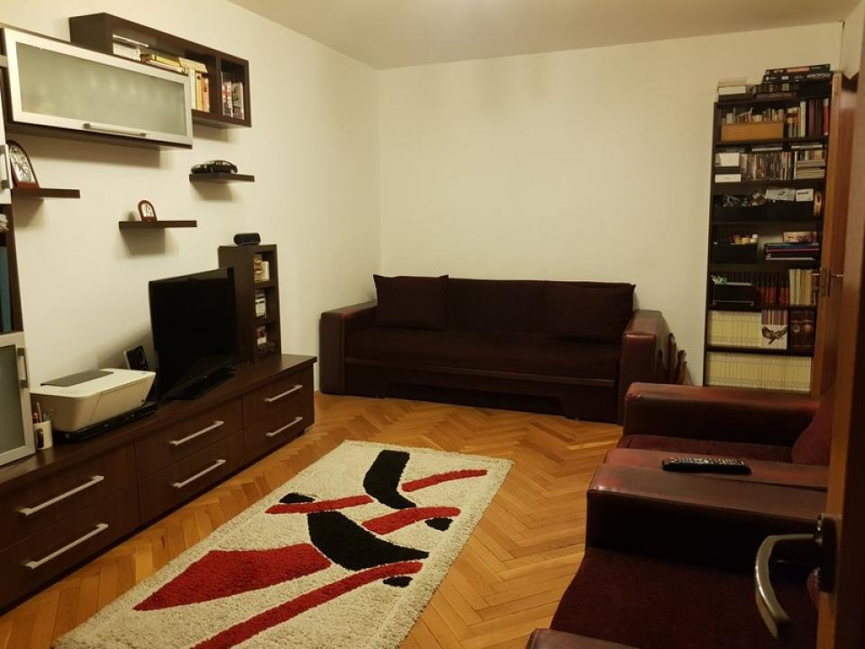 Apartament 3 camere Zona Gorjului