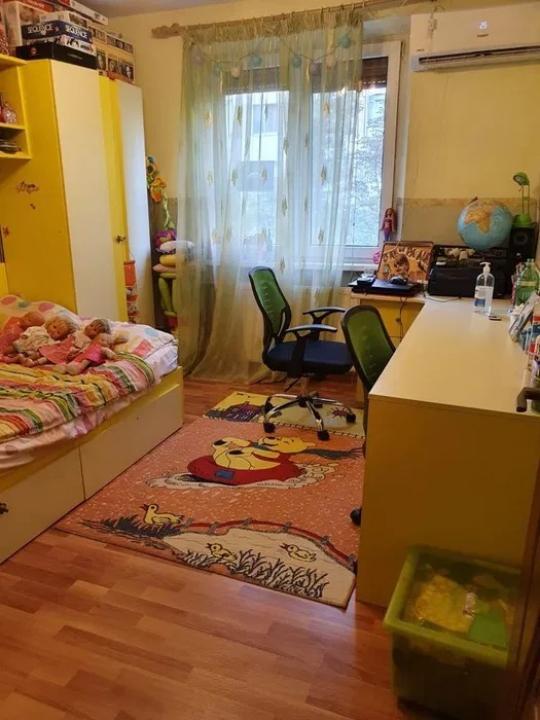 Apartament de 3 camere in zona Gorjului