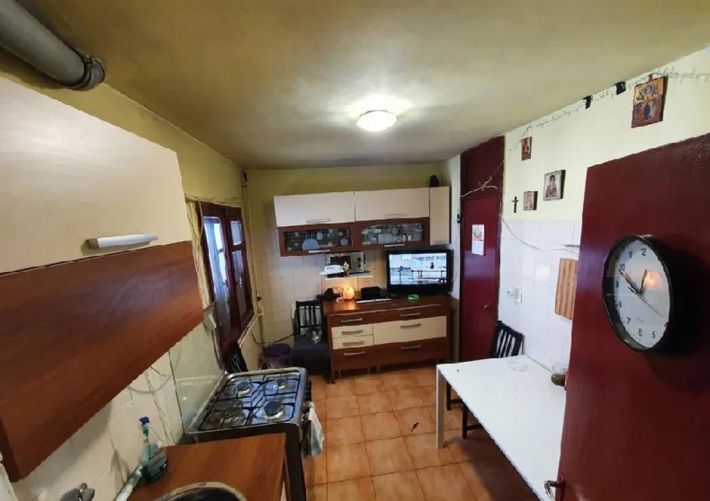 Apartament 3 camere Lujerului ( 5 minute pana la metrou )