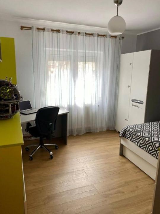 Apartament 4 camere Parc Sebastian