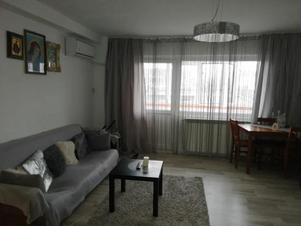 Apartament 4 camere Pacii- Cocosul Rosu