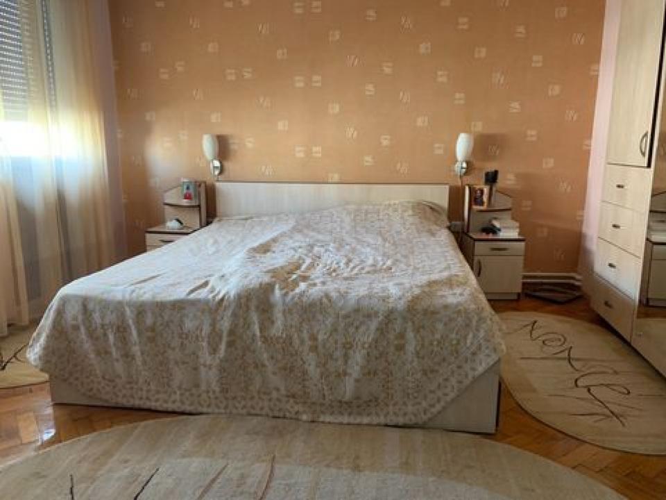 Apartament 4 camere Calea Mosilor