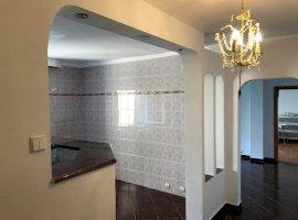Apartament 4 Camere In zona 13 Septembrie