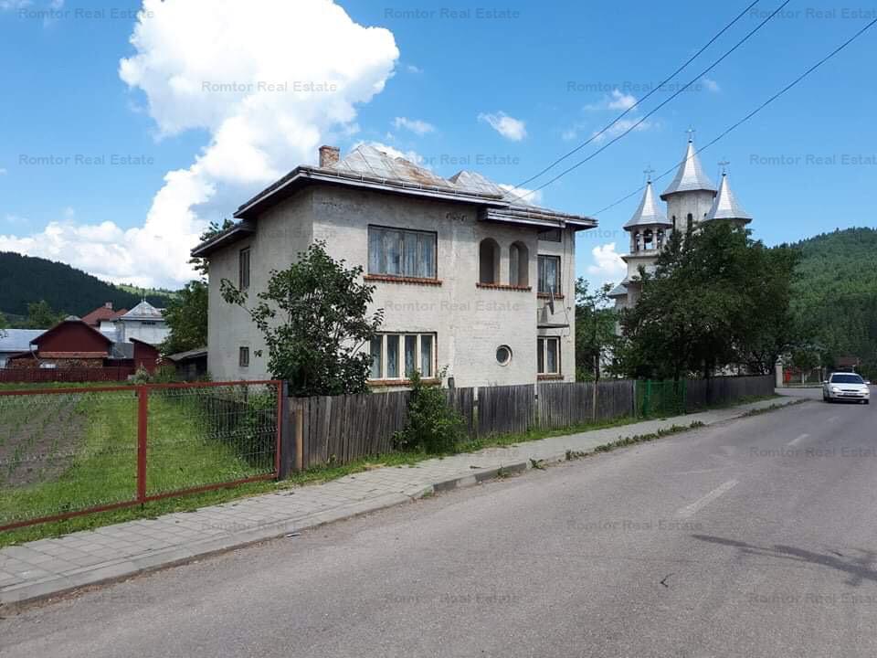 https://www.romtor.ro/ro/inchiriere-houses-villas-6-camere/vama-suceava/casa-pentru-pensiune-vama-bucovina_1261
