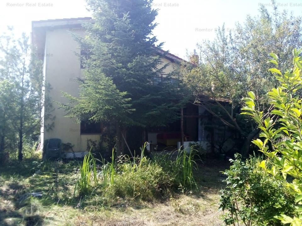 Vila cu piscina si deschidere Lac- Balotesti
