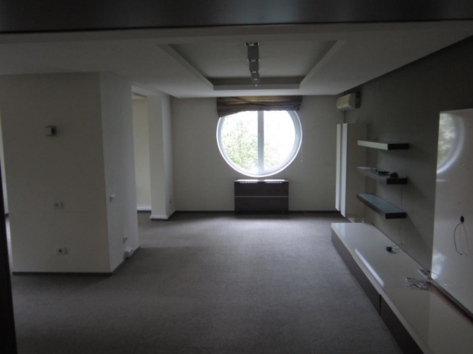 https://www.romtor.ro/ro/inchiriere-apartments-3-camere/bucuresti/plevnei-arcom-pretabil-birou-semomobilat-liber_1370