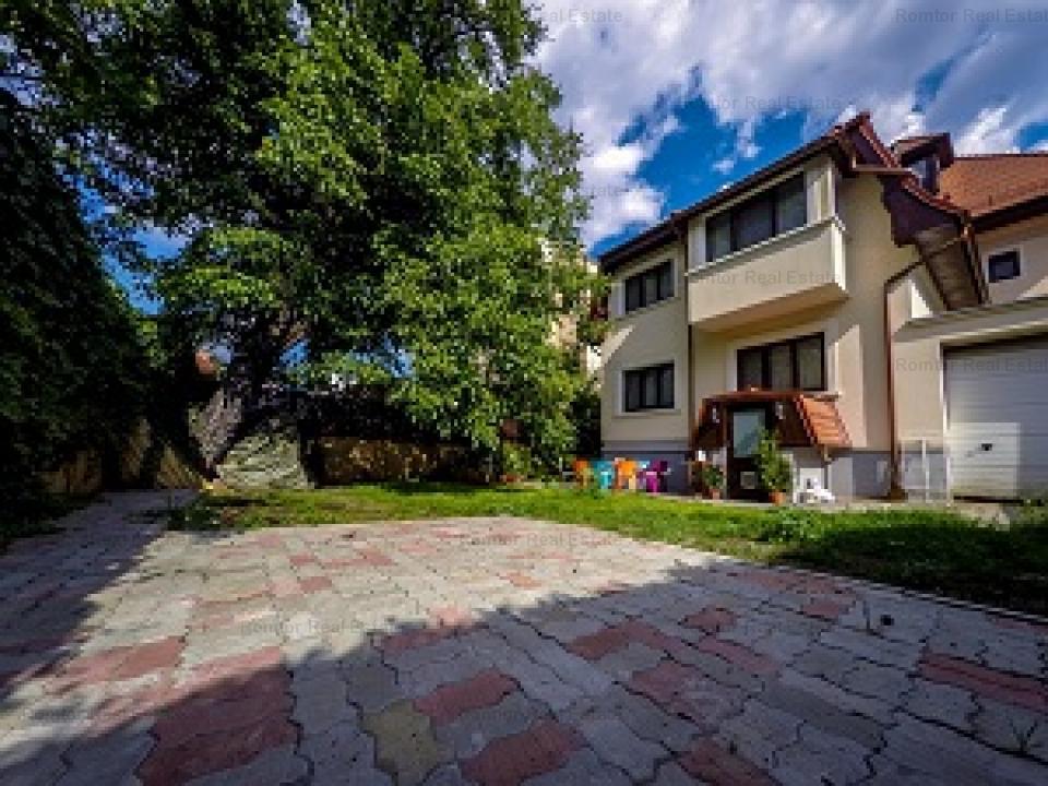 Domenii- Casin apartament 6 camere in vila-de vanzare