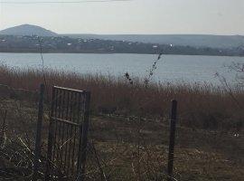 Teren cu deschidere la lacul Caslita