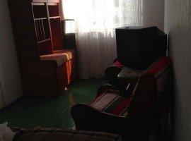 Apartament 3 camere zona Miron Costin