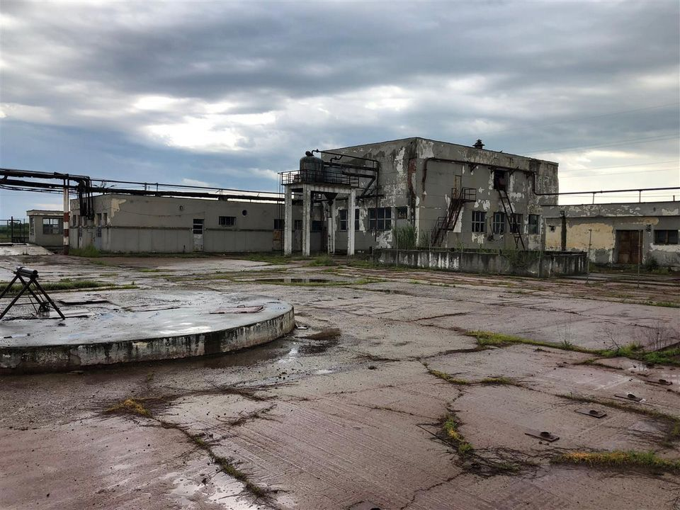 Spatii industriale + teren