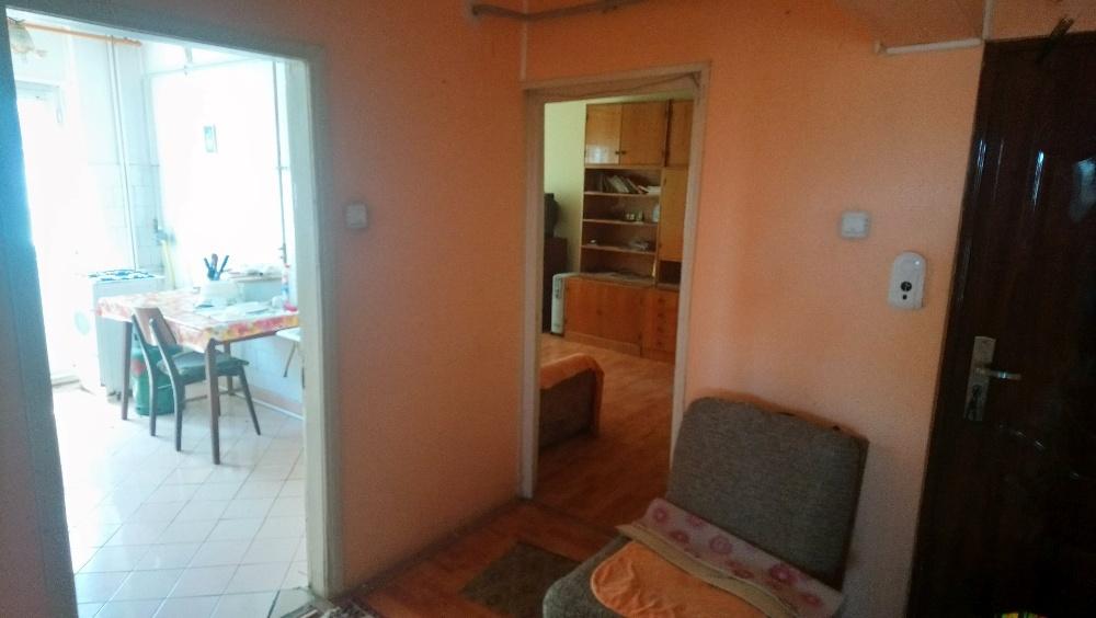 Apartament 4 camere zona Piata Noua