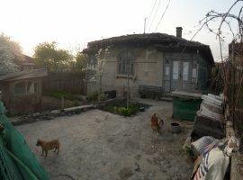 Casa batraneasca zona Centrala
