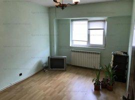 Apartament 3 camere zona Cec Bank