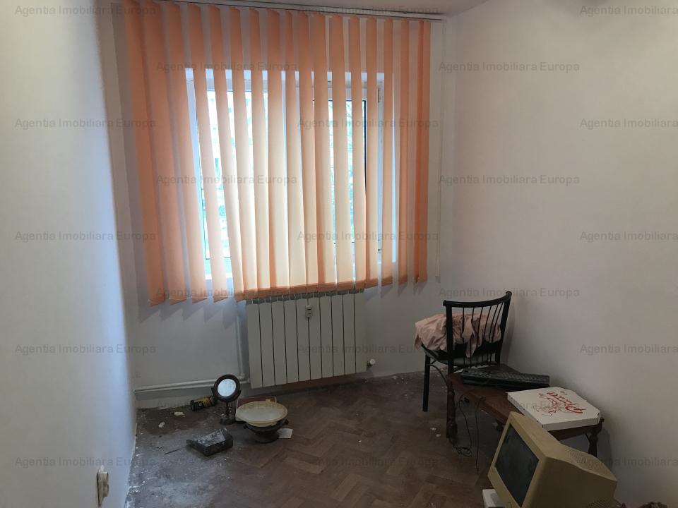 Apartament 3 camere zona Politie