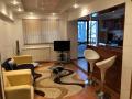 Apartament 3 camere etaj 1 Lux