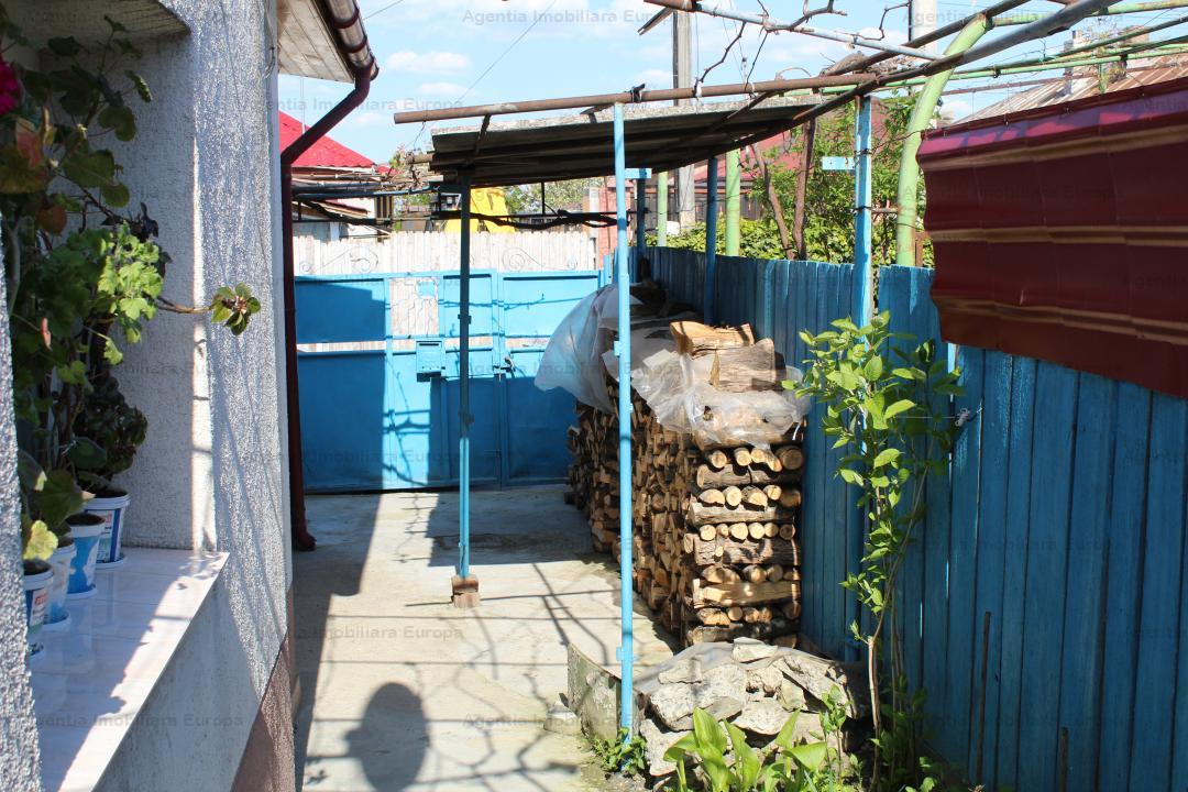 Casa + teren  zona Alexandru cel Bun