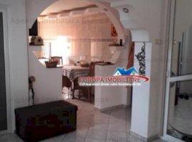 Vanzare apartament 5 camere, Central, Tulcea