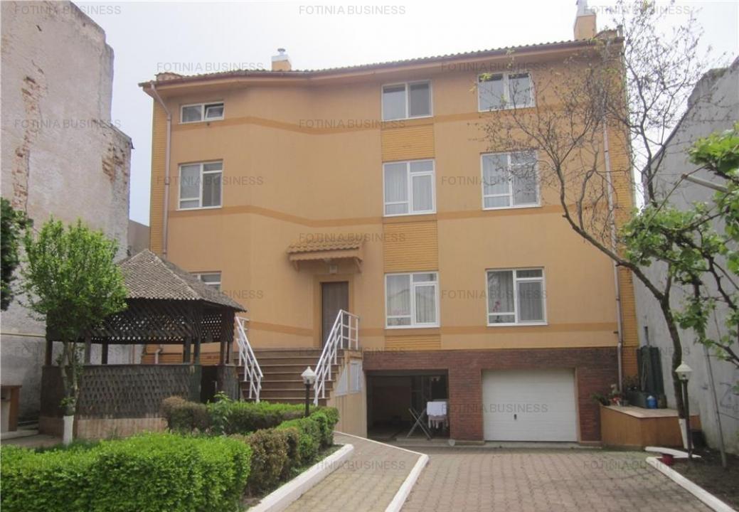 Vila 10 camere de vanzare Faleza Nord