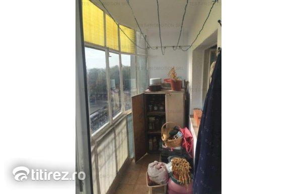 Apartament cu 3 camere de vanzare, Drumul Taberei - Stadion Ghencea