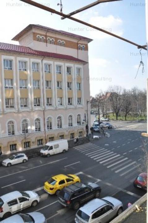 Ap 2 camere Liceul Caragiale/Dorobanti
