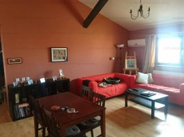 SE VINDE / Apartament in VILA cocheta  Chiajna