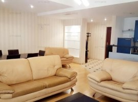 De vanzare - apartament 3 camere, Cartierul Francez