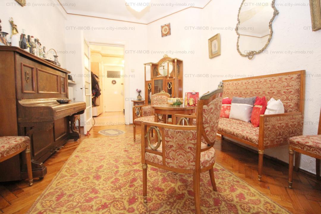 Vanzare apartament 3 camere, Unirii / Coposu