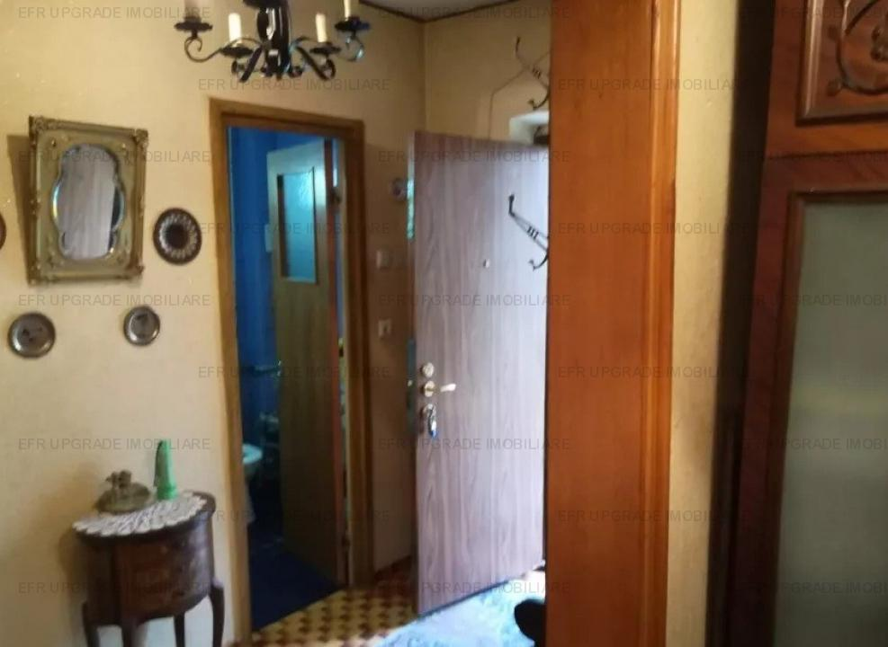 EFR UPGRADE Apartament 3 camere de vanzare zona Universitate-Batistei-Rosetti