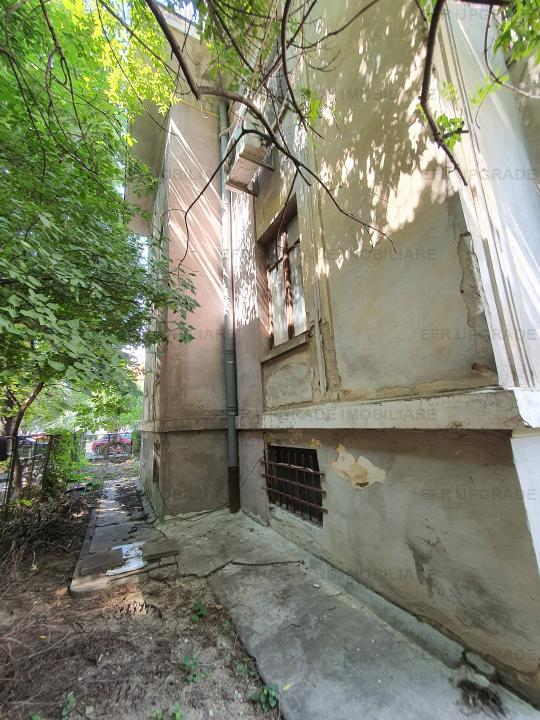 Central Bucharest - ARCUL DE TRIUMF - Suitable for embassy residence, medical clinic villa