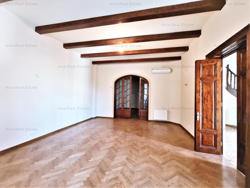 Vila Piata Romana - curte libera 142 mp