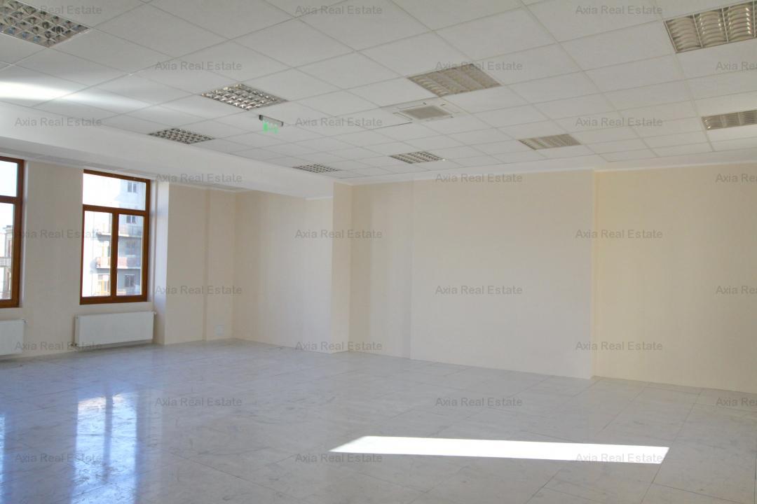 Birou in zona Universitate