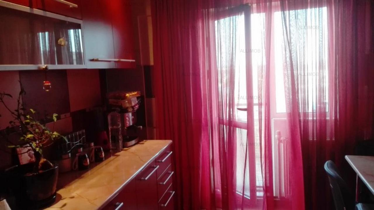 Apartament tip Penthouse, in Ploiesti, zona Mihai Bravu