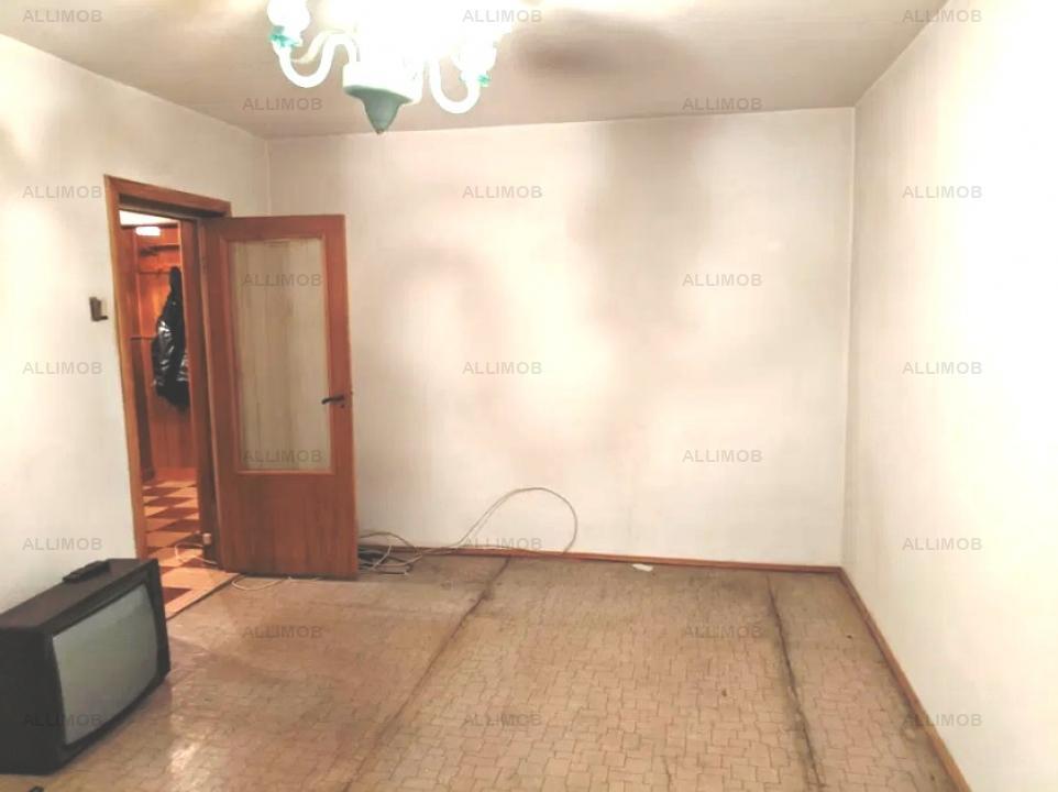 2 camere, zona Piata M Viteazu, decomandat, fara imbunatatiri majore