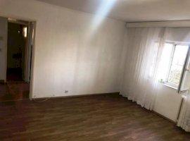 Apartament 2 camere, imbunatatiri, boxa, zona Malu Rosu
