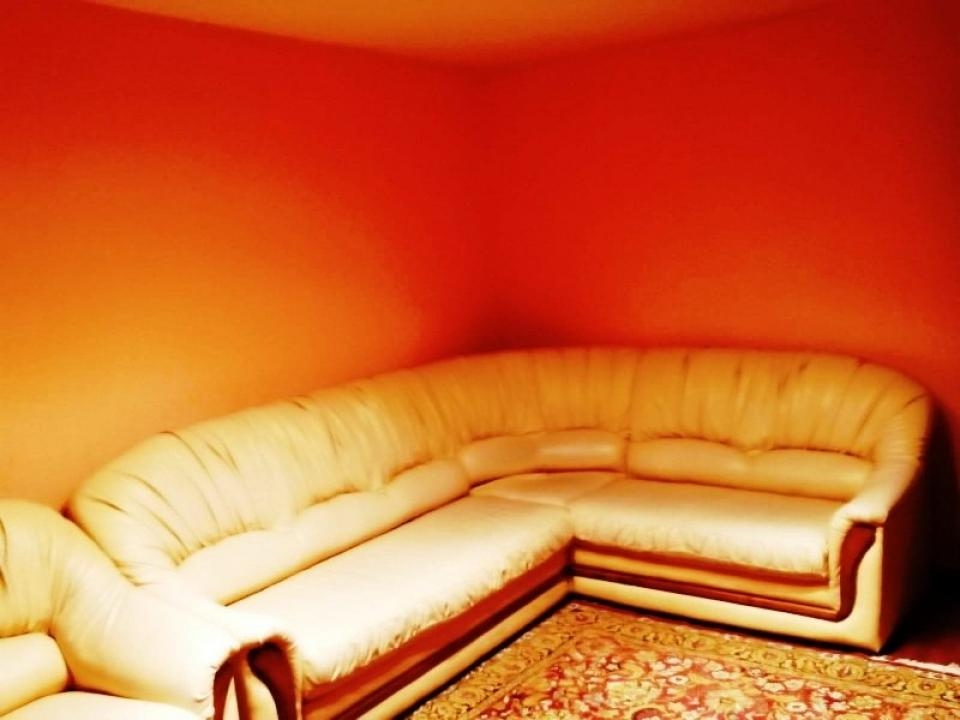 https://www.allimob.ro/ro/inchiriere-apartments-3-camere/ploiesti/apartament-3-camere-in-poiesti-zona-malu-rosu_1667