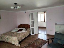 Apartament cu 3 camere in vila, in Ploiesti.